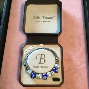 Bella Perlina charm clasp on side bracelet